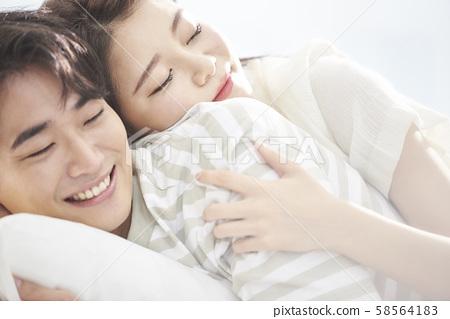 Lifestyle couple 58564183