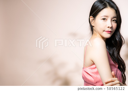 여성 미용 음영 58565122