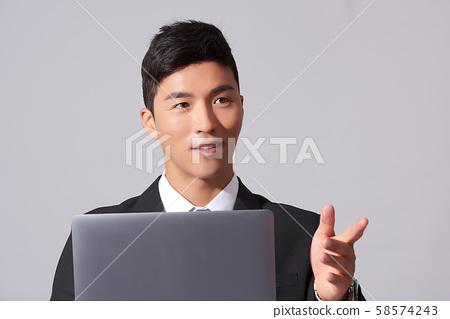 남성 비즈니스 노트북 58574243