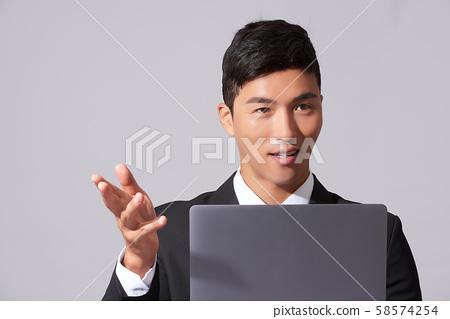 남성 비즈니스 노트북 58574254
