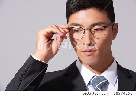 남성 비즈니스 안경 58574256