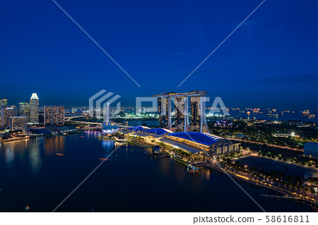 新加坡城市夜景 58616811