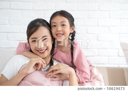 父母和孩子的生活方式 58629873