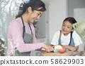 父母和孩子的生活方式美食 58629903