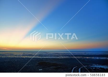 台中新竹落日,海風拂面。 58656183