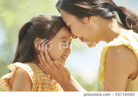 Lifestyle parent and child 58738080