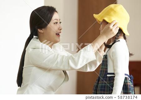부모 육아 58738174