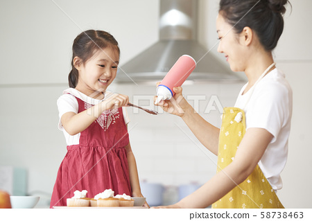 부모와 자식 요리 58738463