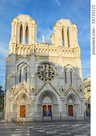 니스 노트르담 대성당, 도시의 상징 이른 아침, 맑은, 프랑스, 남 프랑스 니스의 도시 니스의 거리 58739172