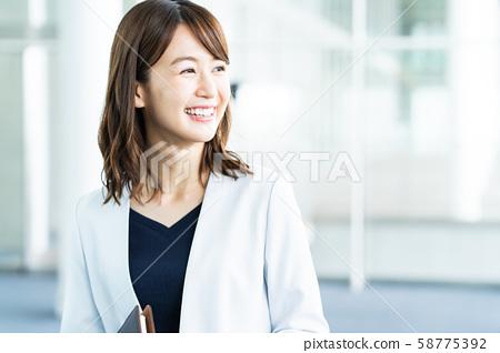 여성 비즈니스 비즈니스 우먼 사무실 58775392