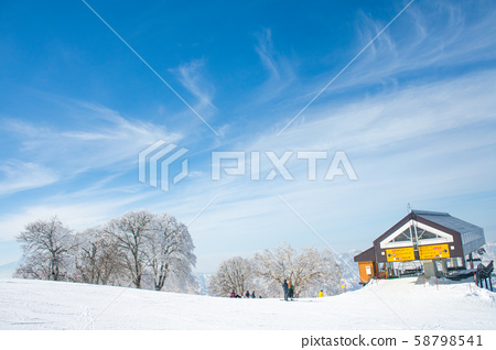Landscape and Mountain view of Nozawa Onsen in winter , Nagano, Japan. 58798541