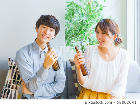 Home party person man and woman couple matching marriage hunting dating joint party launch year-end party newlyweds 58802041