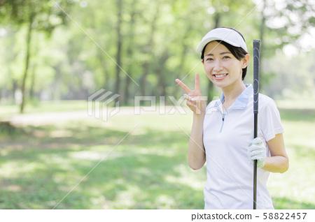Woman golf 58822457