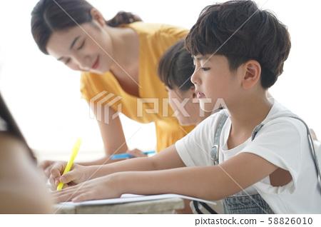 여자 어린이 교육 58826010