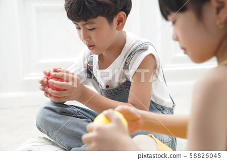 어린이 교육 크리 에이 티브 58826045