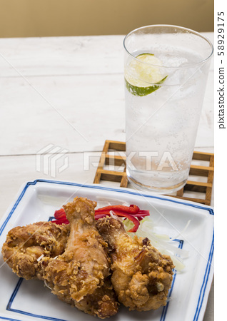 Deep-fried sour and chicken 58929175