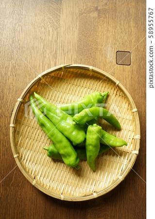 Manshakuji red pepper 58955767