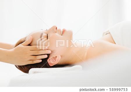 女性審美頭部水療 58999753