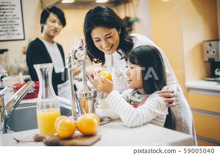 부모와 자식 소녀 도와 59005040