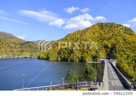 秋天的札幌湖 59022509