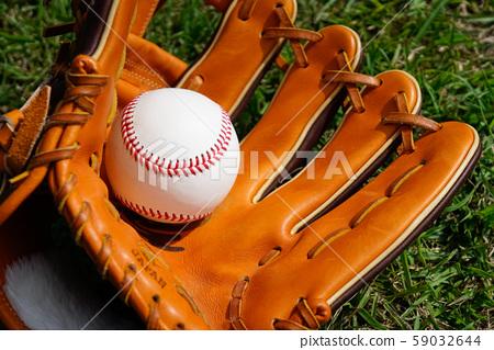 棒球手套和球 59032644