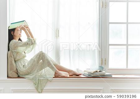 여성 라이프 스타일 독서 59039196