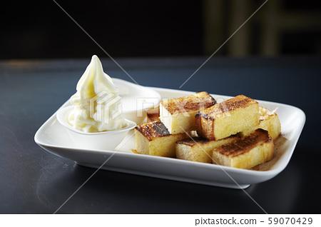 Toast and soft serve 59070429