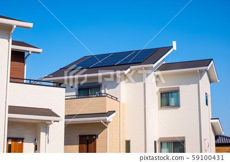 푸른 하늘과 신축 에코 하우스 59100431