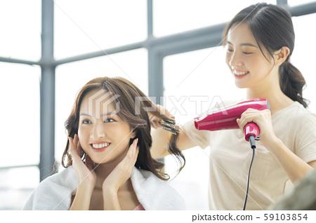 女士護髮沙龍 59103854