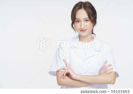 แพทย์หญิงให้คำปรึกษาด้านสุขภาพ 59103863