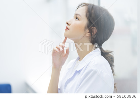 Female doctor hospital 59103936