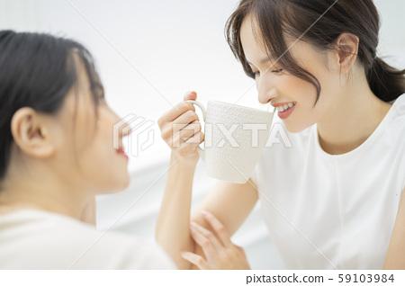 女性朋友谈话 59103984