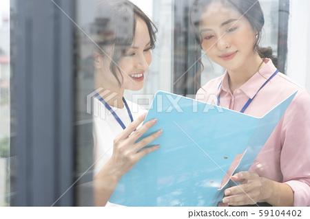여성 비즈니스 상담 59104402