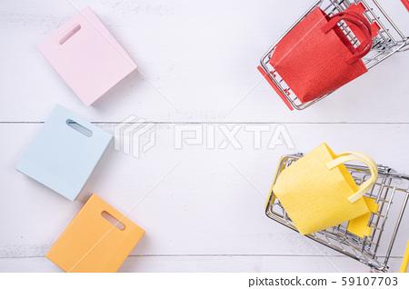 購物 頂視圖 백색 다채로운 Shopping phone flat lay 쇼핑 59107703