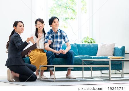 對年輕的夫婦(房地產) 59263754