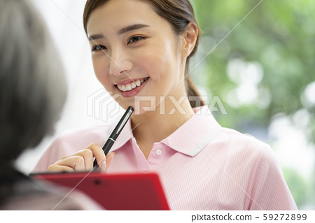 여성 간병인 상담 59272899