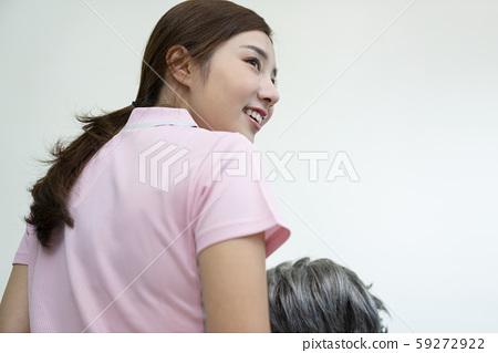 여성 간병인 병원 59272922