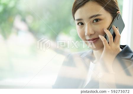 여성 비즈니스 통화 59273072