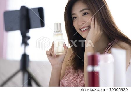 女视频拍摄影响者 59306929