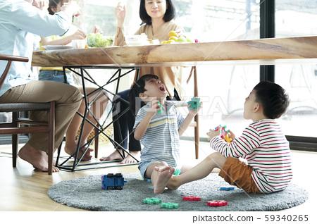 家庭生活方式的玩具玩 59340265