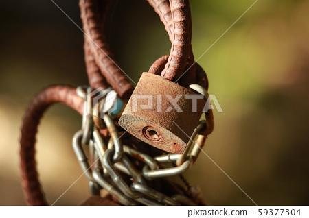 生鏽的掛鎖 59377304