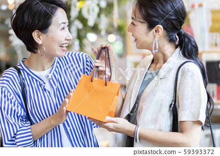 購物購物女人禮物 59393372
