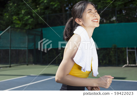 ชุดกีฬาผู้หญิง 59422023