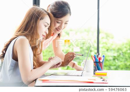 여성 비즈니스 상담 59476063