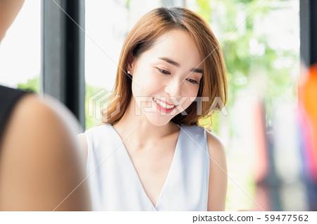 여성 비즈니스 상담 59477562