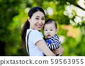 一個有嬰兒的女人 59563955