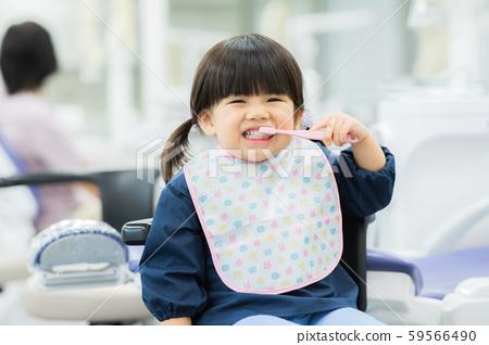 兒童主治牙醫 59566490