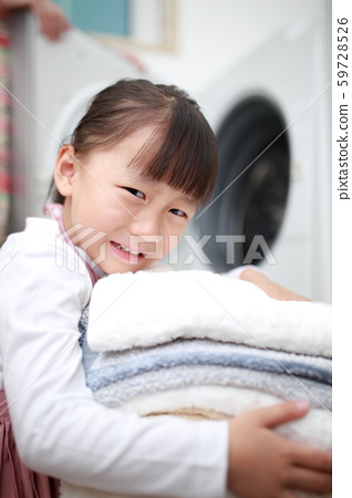 Help (Laundry Housework Childcare Childcare Parent-child Family Family Infant Child Mom Mom Housewife Girl Growth) 59728526