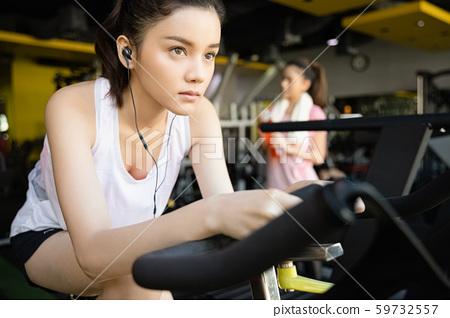 女子健身單車 59732557