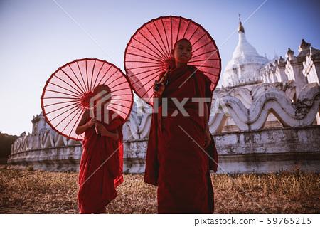 Mingun Phatodawgyi 59765215